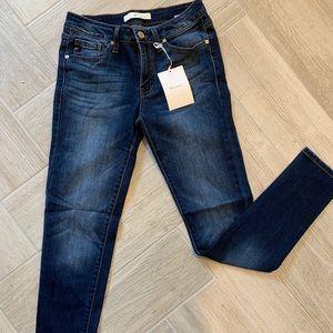 NWT Kancan skinny jeans